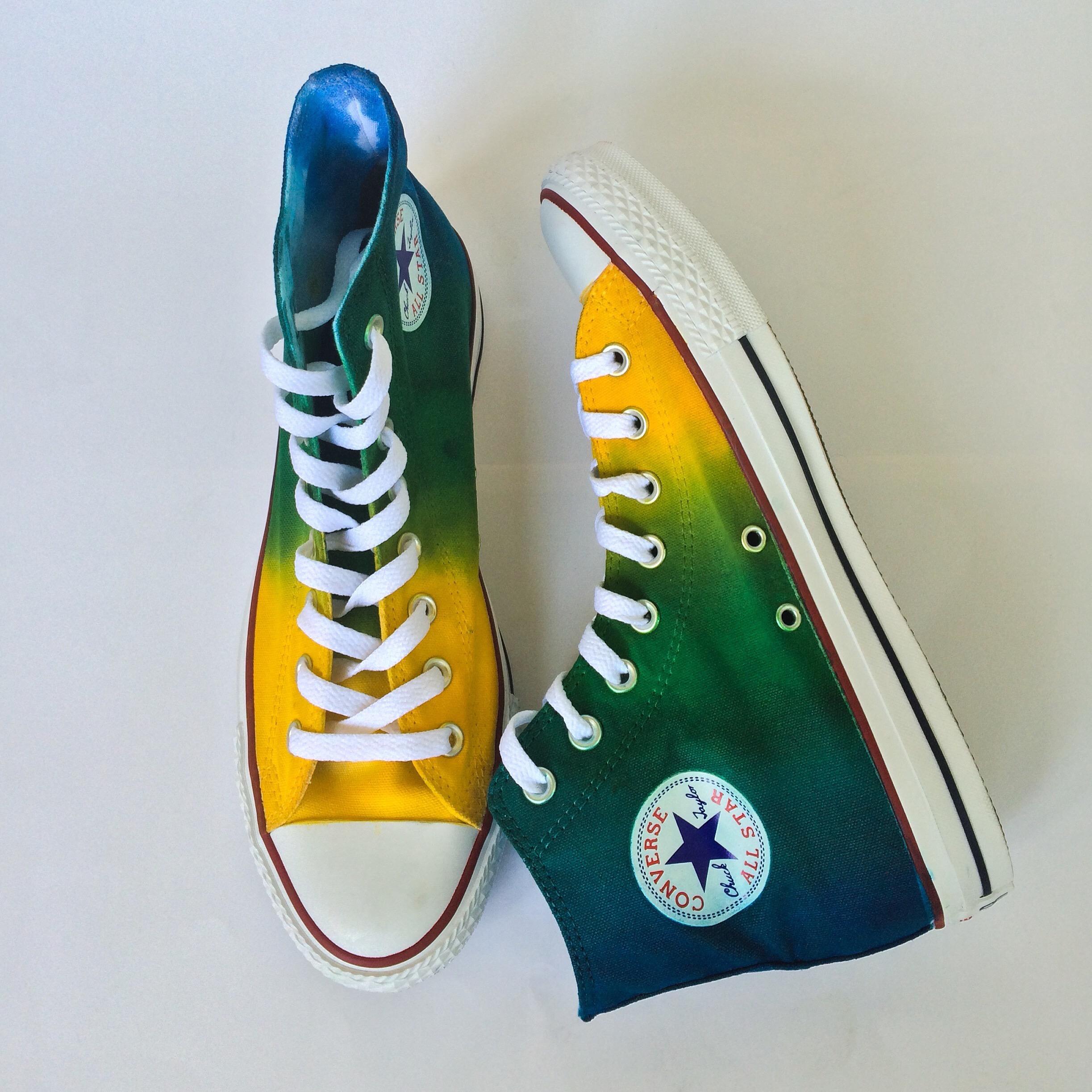 ca9aa9cffcc062 Dew Drops Tie Dye Converse